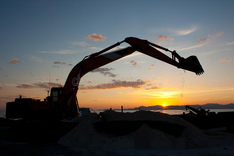 Ekskawatoru maszynowy robi earthmoving obraz stock
