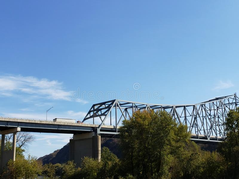Ekspansywny most przez rzekę ohio obrazy stock