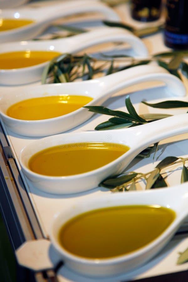 Ekstra dziewiczy oliwa z oliwek obrazy royalty free