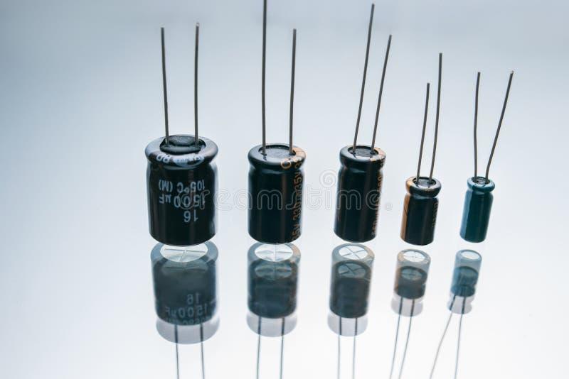 Elétrodo bonde bipolar do componente dos capacitores fotografia de stock royalty free