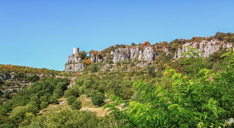 Elévese cerca del pueblo de Balazuc en la región de Ardeche de franco imágenes de archivo libres de regalías