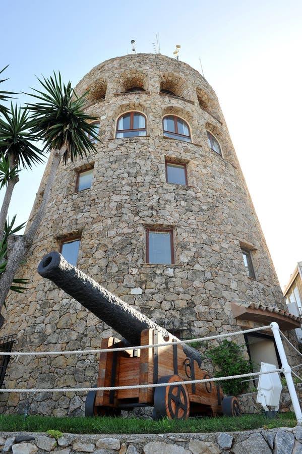 Elévese en el Puerto famoso Banus en Marbella, Costa del Sol, España foto de archivo