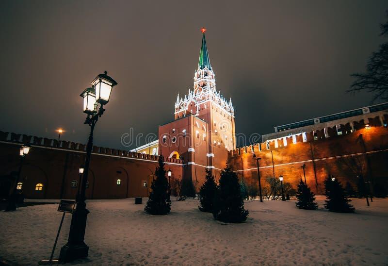Elévese en Plaza Roja en Moscú, Rusia en el invierno foto de archivo libre de regalías