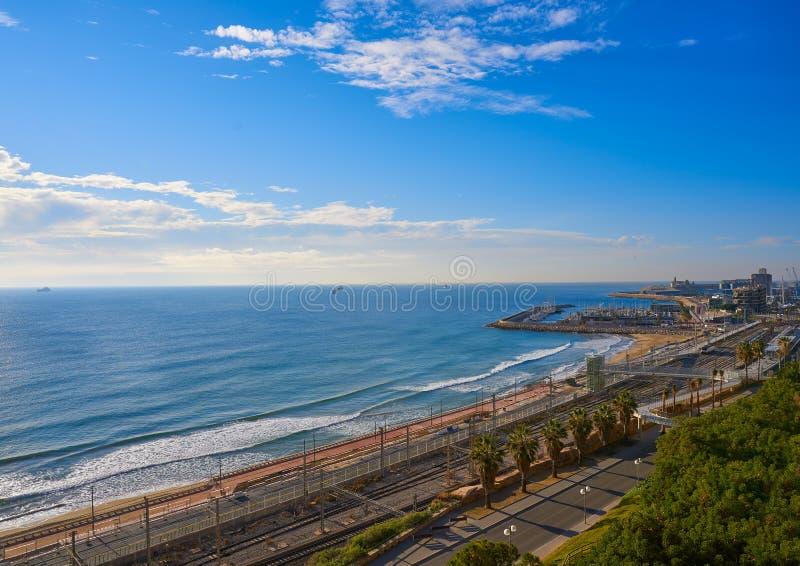 El奇迹塔拉贡纳海滩和港  免版税库存照片
