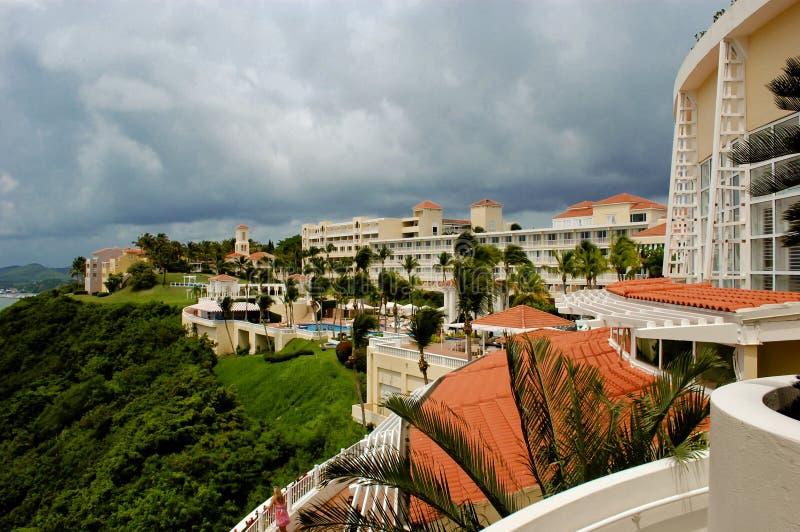 El征服者,沿海旅馆在Fajardo海边区域 免版税图库摄影