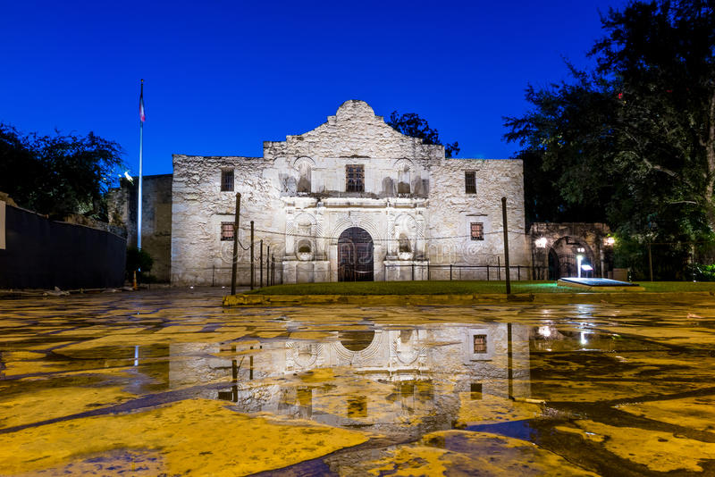 El Álamo histórico, San Antonio, Tejas imagenes de archivo