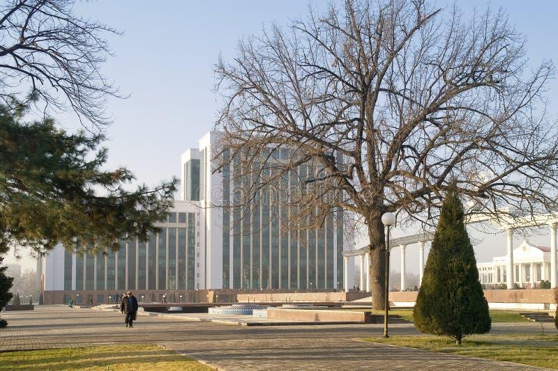 El área de la independencia está en la ciudad Tashkent imágenes de archivo libres de regalías