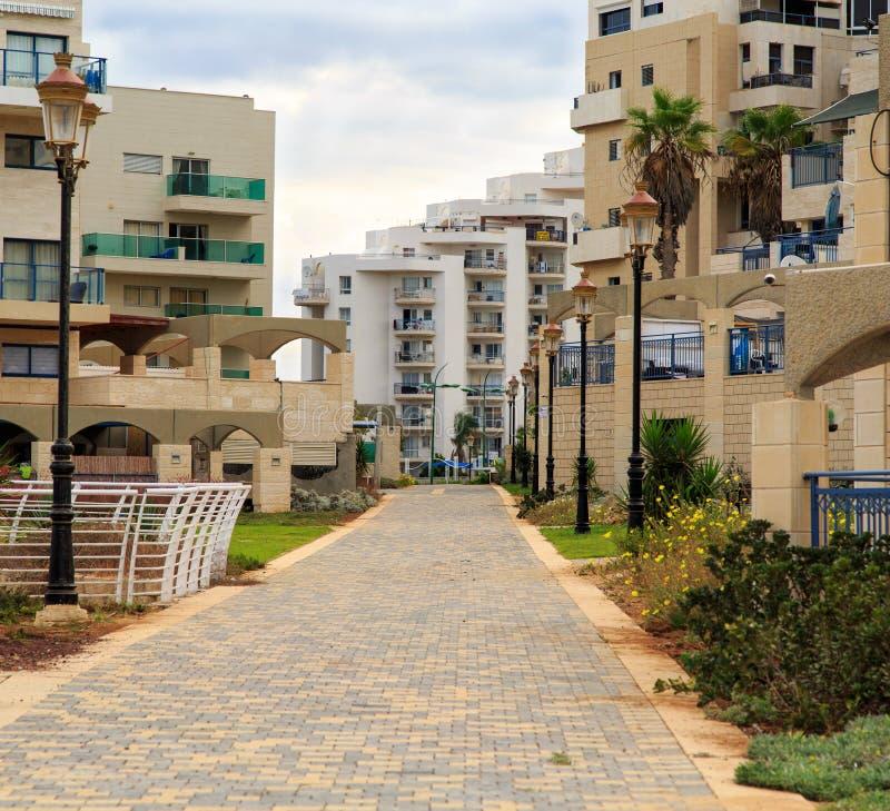 El área residencial de la playa en Ashkelon, Israel imagen de archivo libre de regalías