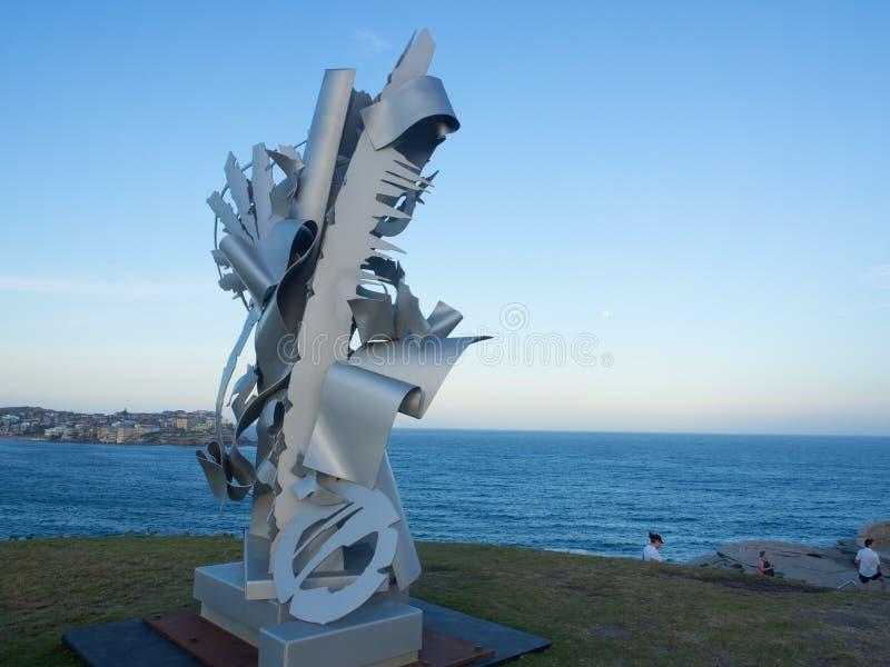 El 'descanso lánguido es ilustraciones esculturales de Albert Paley en la escultura por los acontecimientos anuales del mar libre fotos de archivo libres de regalías