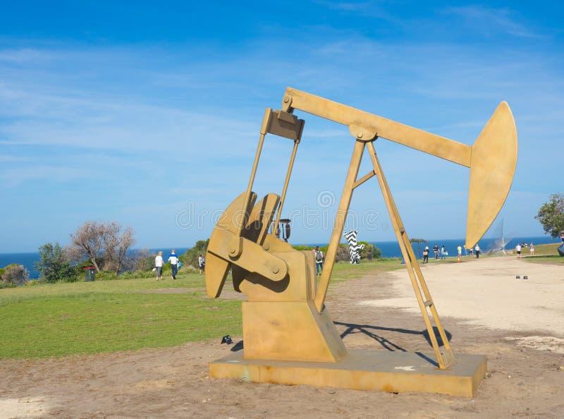 El 'fósil 'es ilustraciones esculturales de Jonathan Leahey en la escultura por los acontecimientos anuales del mar libres al púb imagen de archivo libre de regalías