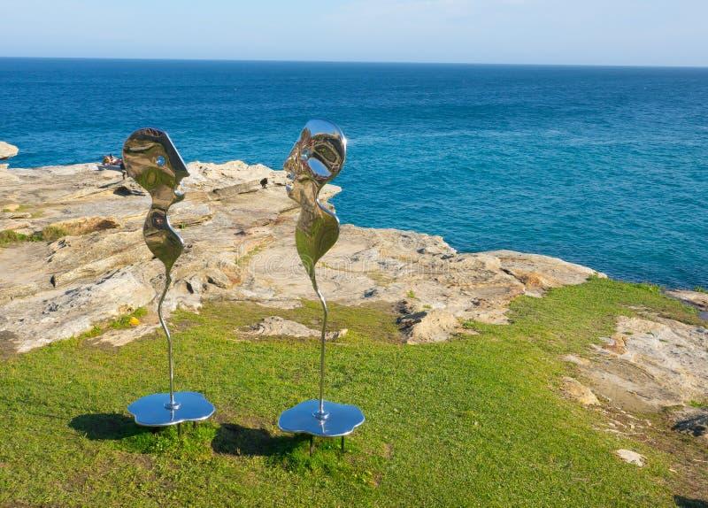 El 'narciso que grita, eco que grita 'es ilustraciones esculturales de Hugh mclachlan en la escultura por los acontecimientos anu fotos de archivo libres de regalías