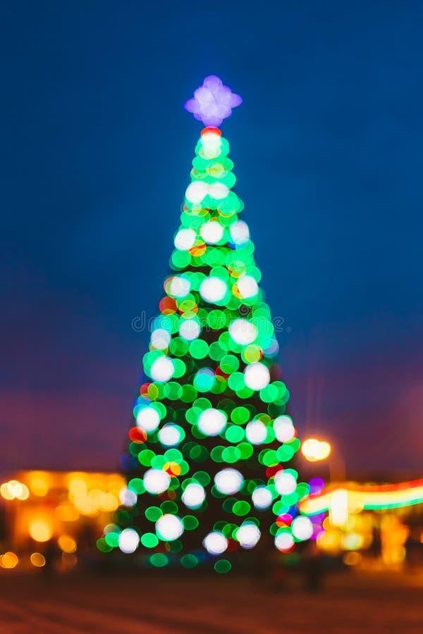El Año Nuevo Boke enciende el árbol de navidad de Navidad y imágenes de archivo libres de regalías