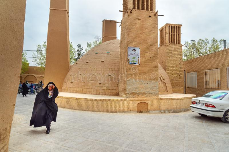 El Ab anbar es depósito o cisterna tradicional de agua potable en Yazd irán fotos de archivo