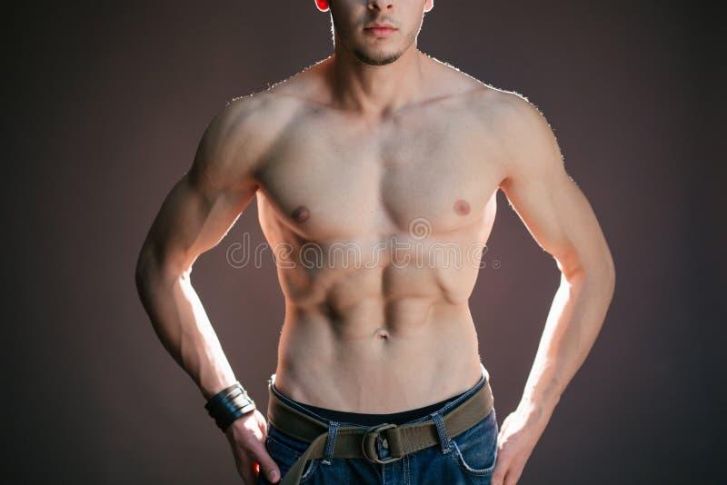 El abdomen del hombre imagenes de archivo