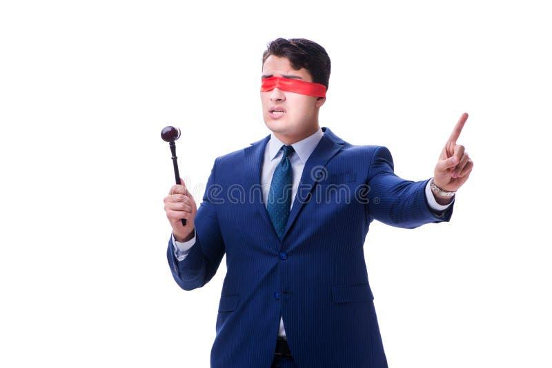 El abogado con la venda que sostiene un mazo aislado en blanco imágenes de archivo libres de regalías