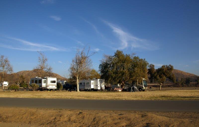 El acampar de rv fotografía de archivo