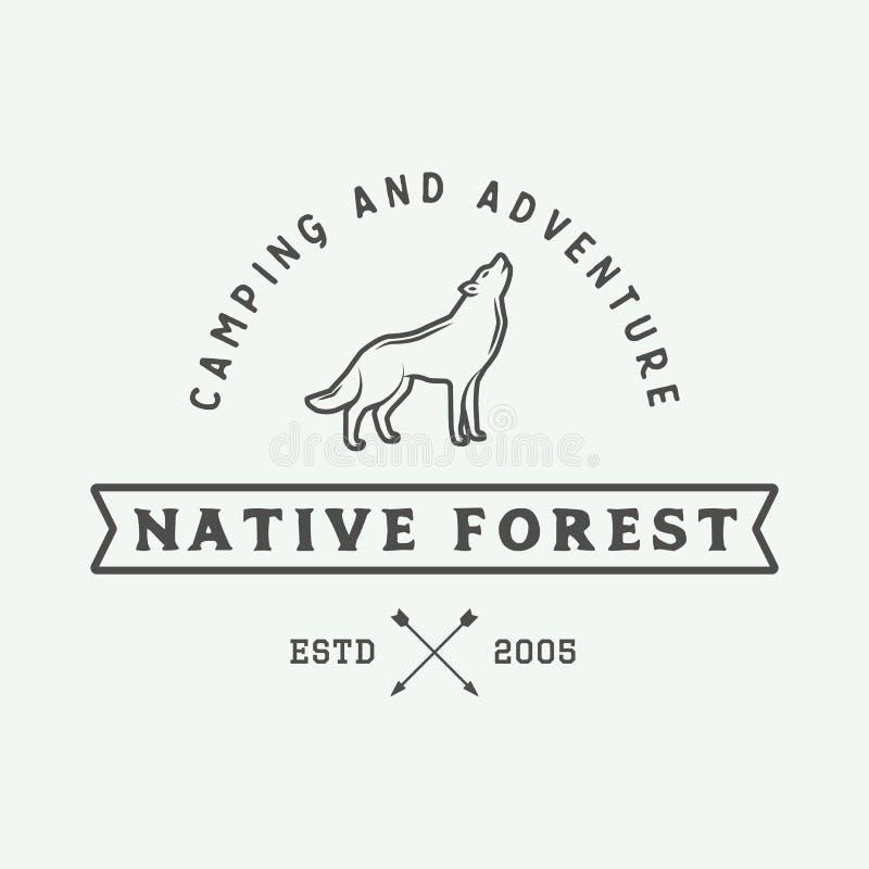 El acampar del vintage al aire libre y se aventura el logotipo, insignia, etiquetas stock de ilustración