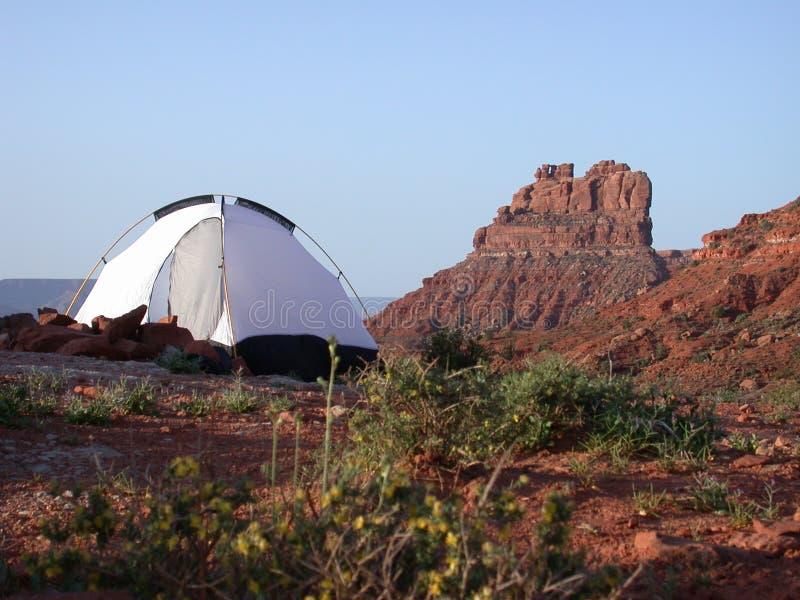El acampar en el valle de dioses foto de archivo