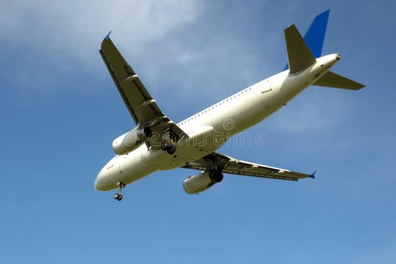 El aeroplano plano del vuelo lanza el chasis foto de archivo
