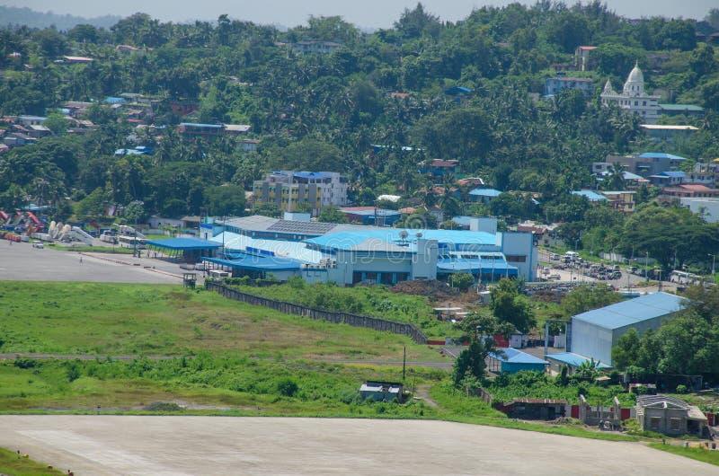 El aeropuerto un paisaje para virar a Blair India hacia el lado de babor fotos de archivo libres de regalías