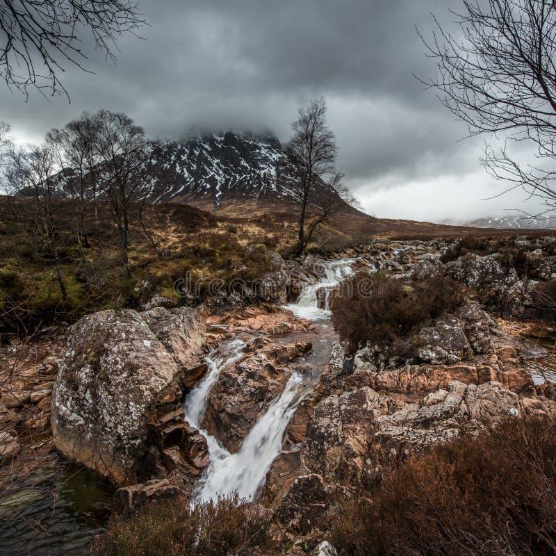 El agua de Coupall del río cae en Glencoe fotografía de archivo libre de regalías