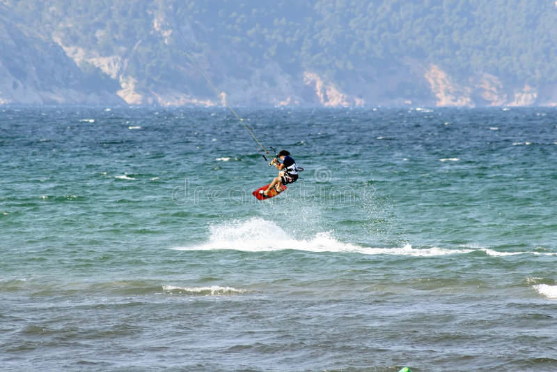 el Agua-esquiador en mediados de-salta fotografía de archivo libre de regalías