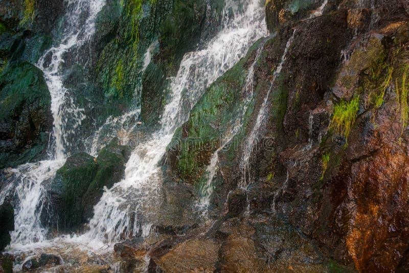 El agua genérica hermosa cae paisaje imágenes de archivo libres de regalías