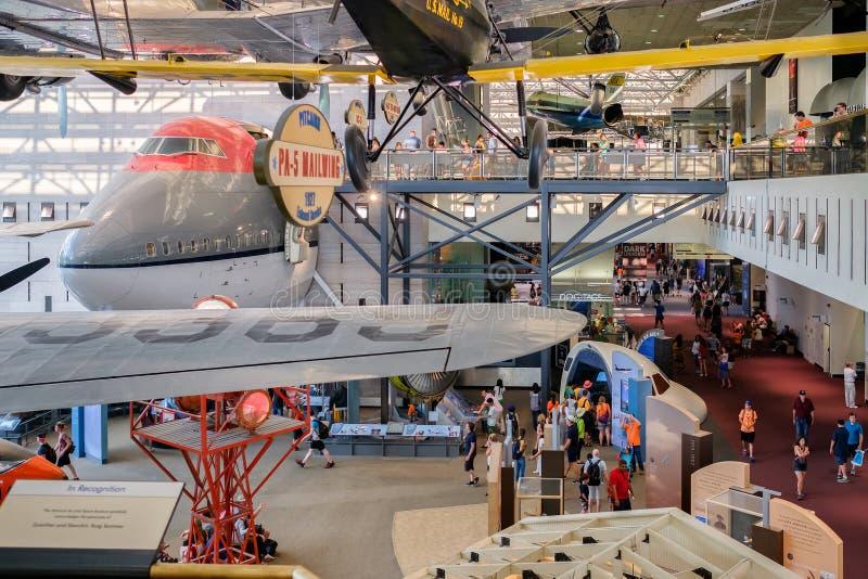 El aire y el museo espacial nacionales en Washington D C fotos de archivo