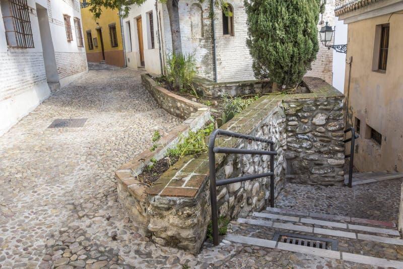 EL Albaicin, vizinhança tradicional em Granada, Espanha imagens de stock royalty free