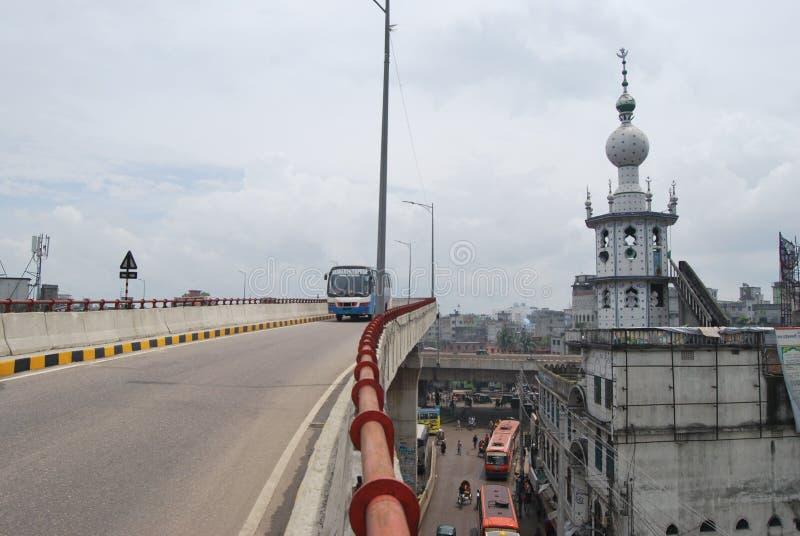 El alcalde Mohammad Hanif Flyover es el paso elevado más largo de Bangladesh foto de archivo