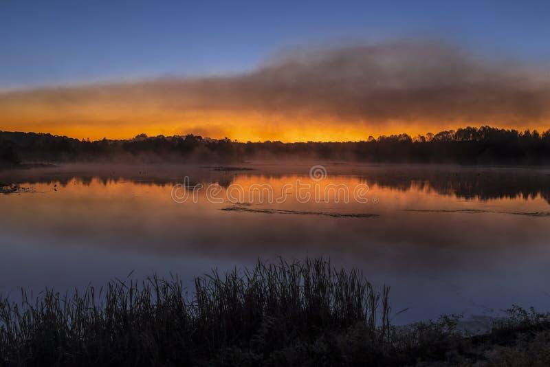El amanecer del lago Richart fotos de archivo libres de regalías