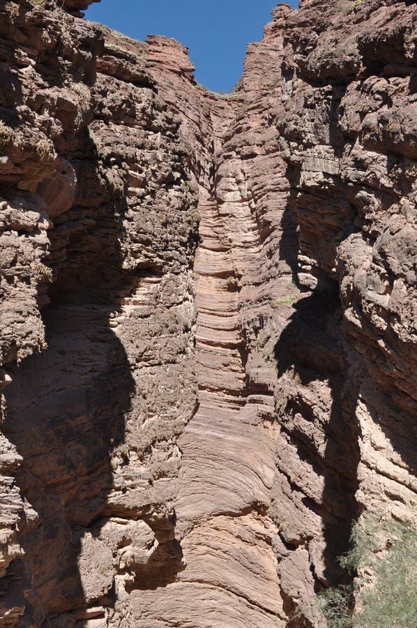 El EL Anfiteatro el anfiteatro es una formación de roca en Quebrada de las Conchas en la región de Cafayate, provincia de Salta foto de archivo libre de regalías