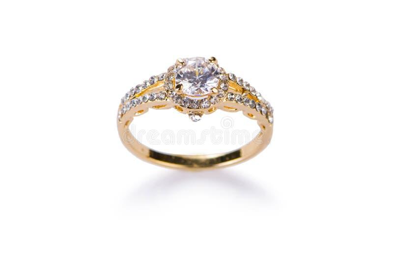 El anillo de la joyería aislado en el blanco foto de archivo