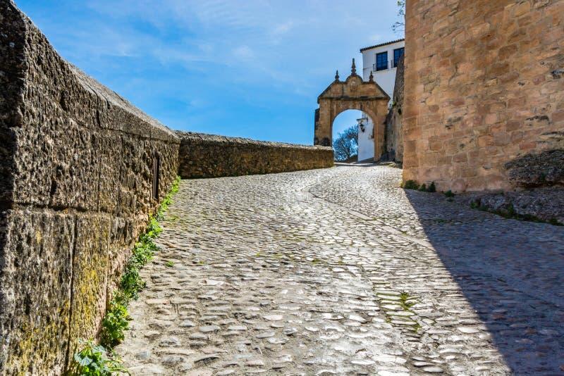 El arco de Philip V en Ronda, España imágenes de archivo libres de regalías