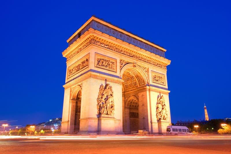 El arco triunfal, París fotos de archivo