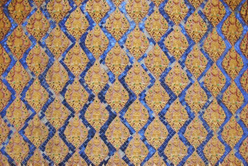 El arte en una pared en el templo cantado tha del wat de Tailandia imagen de archivo libre de regalías
