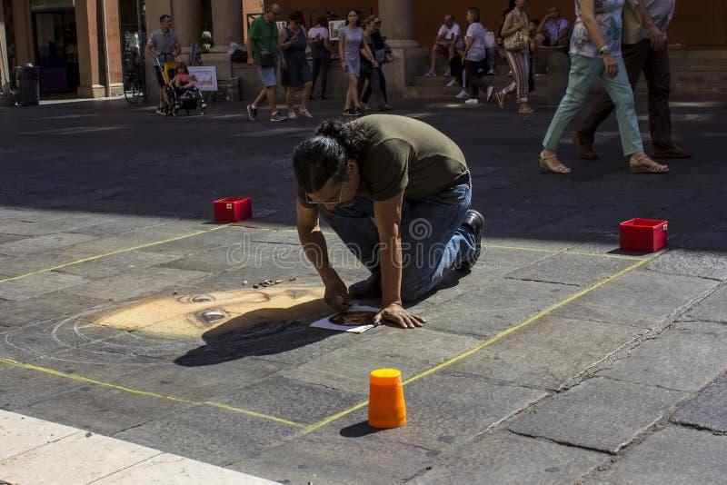 El artista de la calle, arte efímero fotografía de archivo libre de regalías