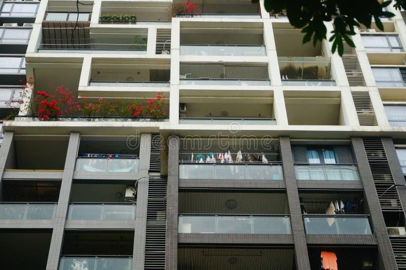 El aspecto arquitectónico de edificios residenciales fotografía de archivo