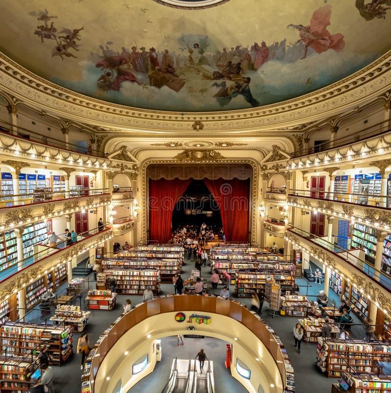 El Ateneo盛大精采书店-布宜诺斯艾利斯,阿根廷内部  免版税库存图片