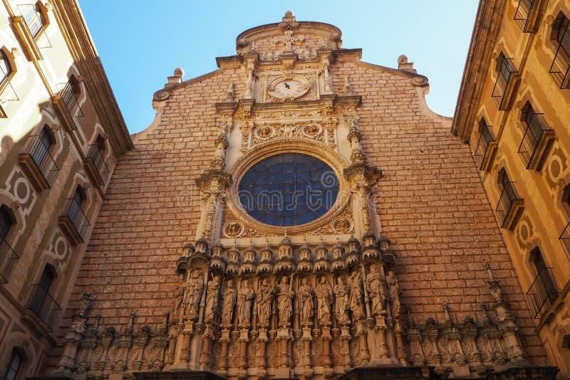 El atrio de la basílica en Montserrat, España foto de archivo libre de regalías