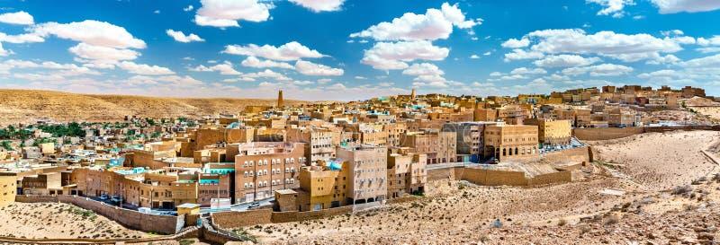 EL Atteuf, une vieille ville dans la vallée de Zab de ` de M en Algérie photographie stock libre de droits