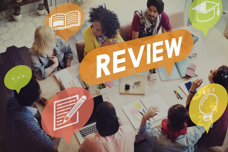 El auditar de la evaluación del comentario evalúa concepto imagenes de archivo