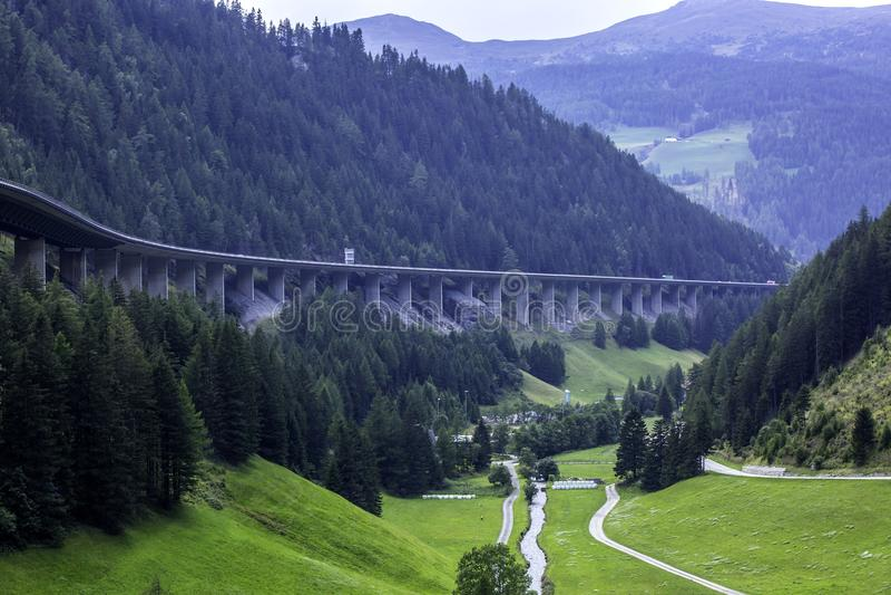 El Autobahn del paso de Brenner foto de archivo