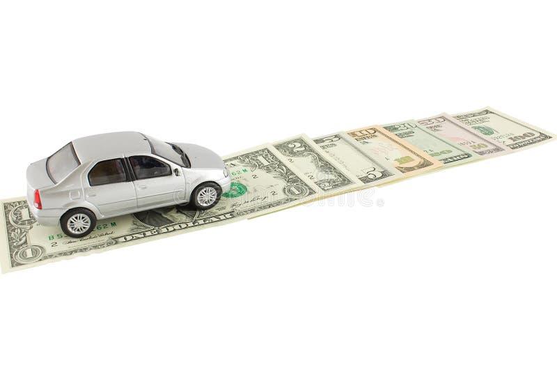 El automóvil y los dólares