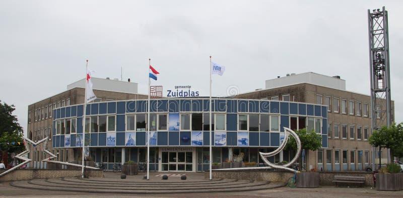 El ayuntamiento en la guarida aan Ijssel de Nieuwerkerk para el municipio de Zuidplas en los Países Bajos que eran demuele en 201 fotos de archivo