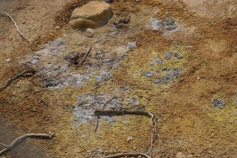 El azufre trabaja en el parque nacional volcánico de Lassen, California, los E.E.U.U. fotografía de archivo