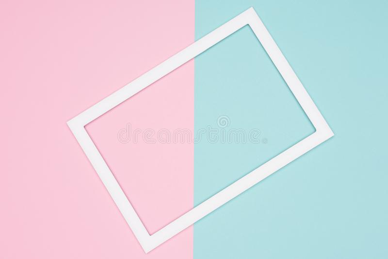 El azul en colores pastel geométrico abstracto, el trullo y el plano de papel rosado ponen el fondo Minimalismo, geometría y plan stock de ilustración