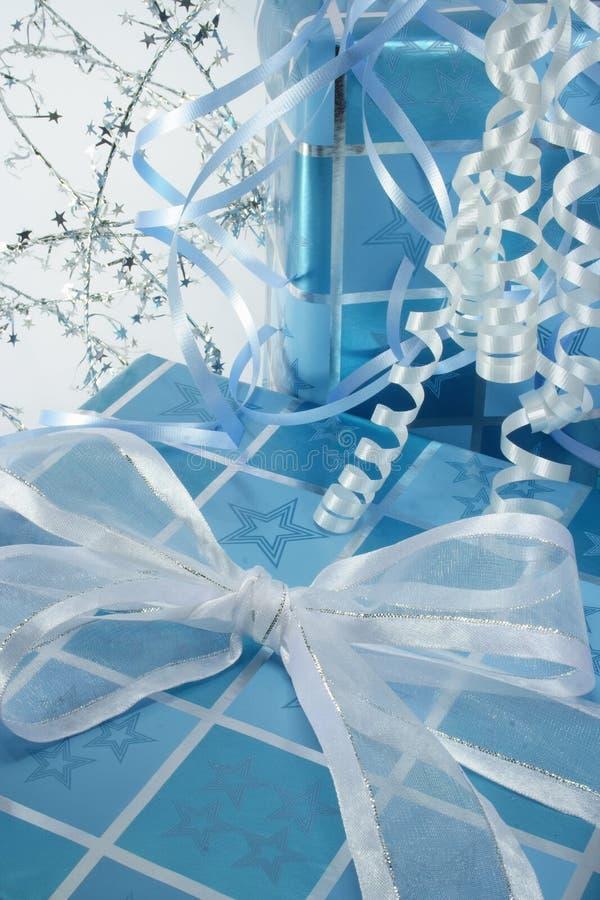El azul presenta vertical imagen de archivo libre de regalías
