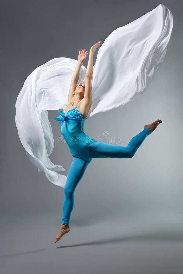 Download El bailarín imagen de archivo. Imagen de fresco, acción - 7151379