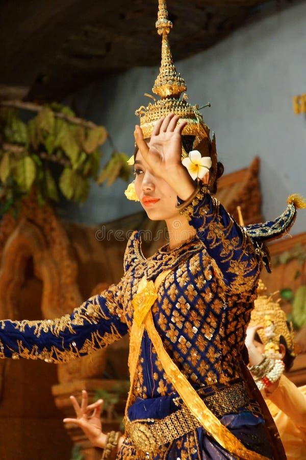 El bailarín de Apsara se realiza foto de archivo
